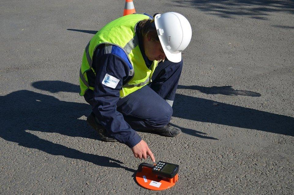 Прибор для проверки качества дорожного покрытия