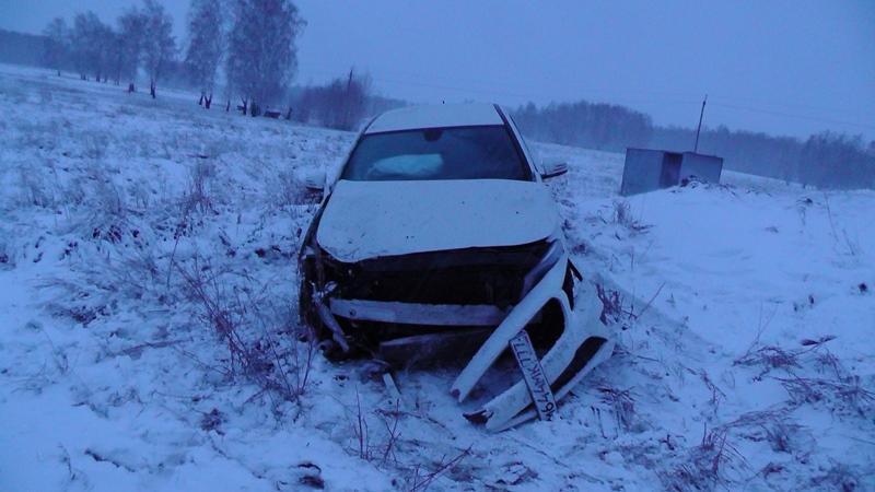 Смертельное ДТП 3 апреля: Мерседес врезался в припаркованный автомобиль, водитель Лады погиб на месте.