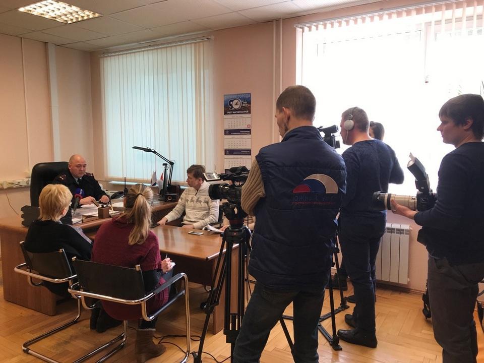 Начальник отдела ГИБДД по г. Магнитогорску подполковник полиции А.В. Бабенков провел пресс-конференцию по итогам 12 месяцев 2018 года.