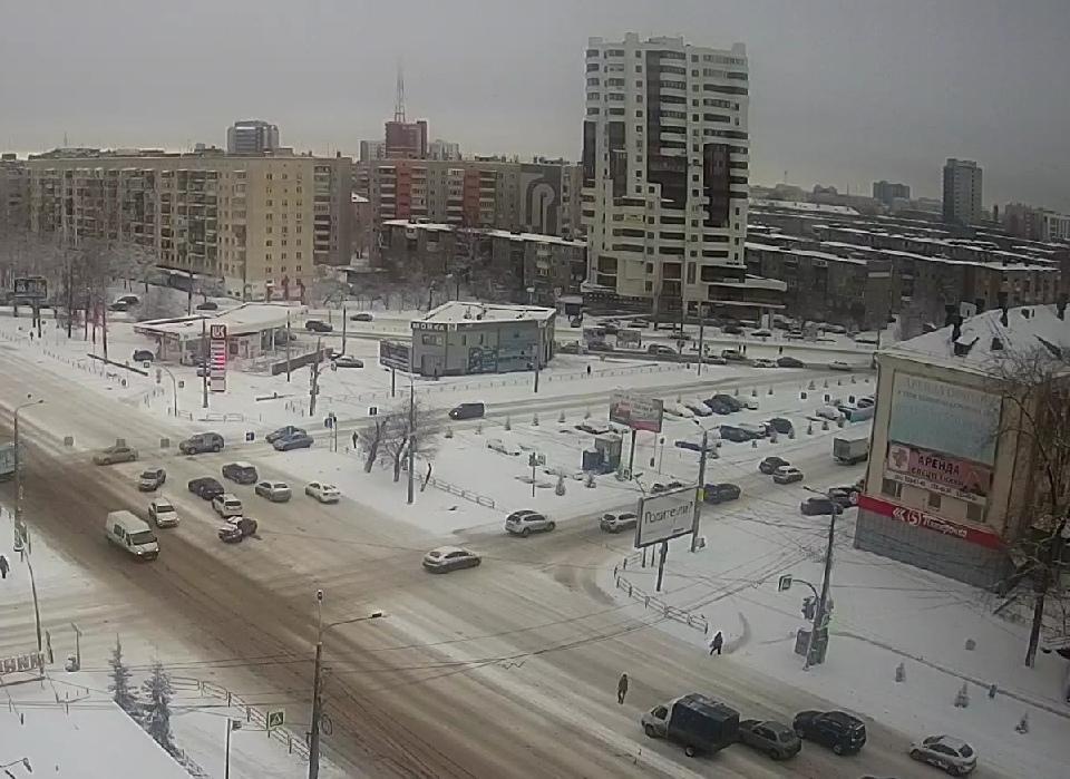 ДТП на пересечении улицы Курчатова и Свердловского проспекта