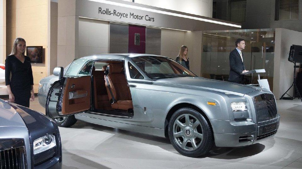Список автомобилей, облагаемых налогом на роскошь