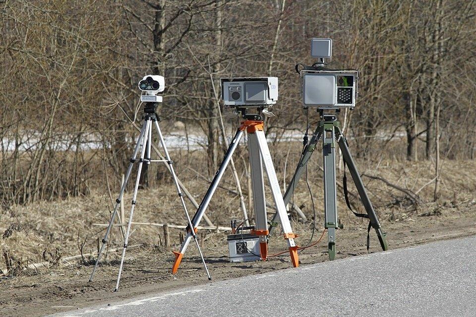 В России могут запретить частные дорожные камеры на треногах